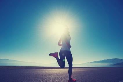 ジョギングしてる女性の写真
