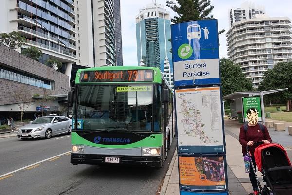 731番のバスで行くのが便利